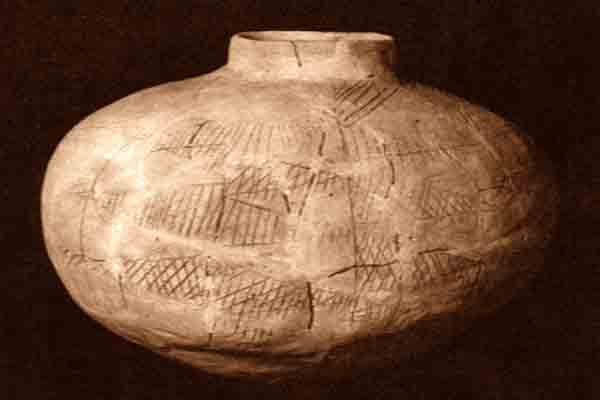 1.Large_incised_jar._Hassuna._Hassuna_culture__c
