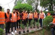 حملة تطوعية لزراعة الاشجار في حدائق  الكلية مقدمة من قبل قسم الوسائط المتعددة وبمشاركة أقسام الكلية