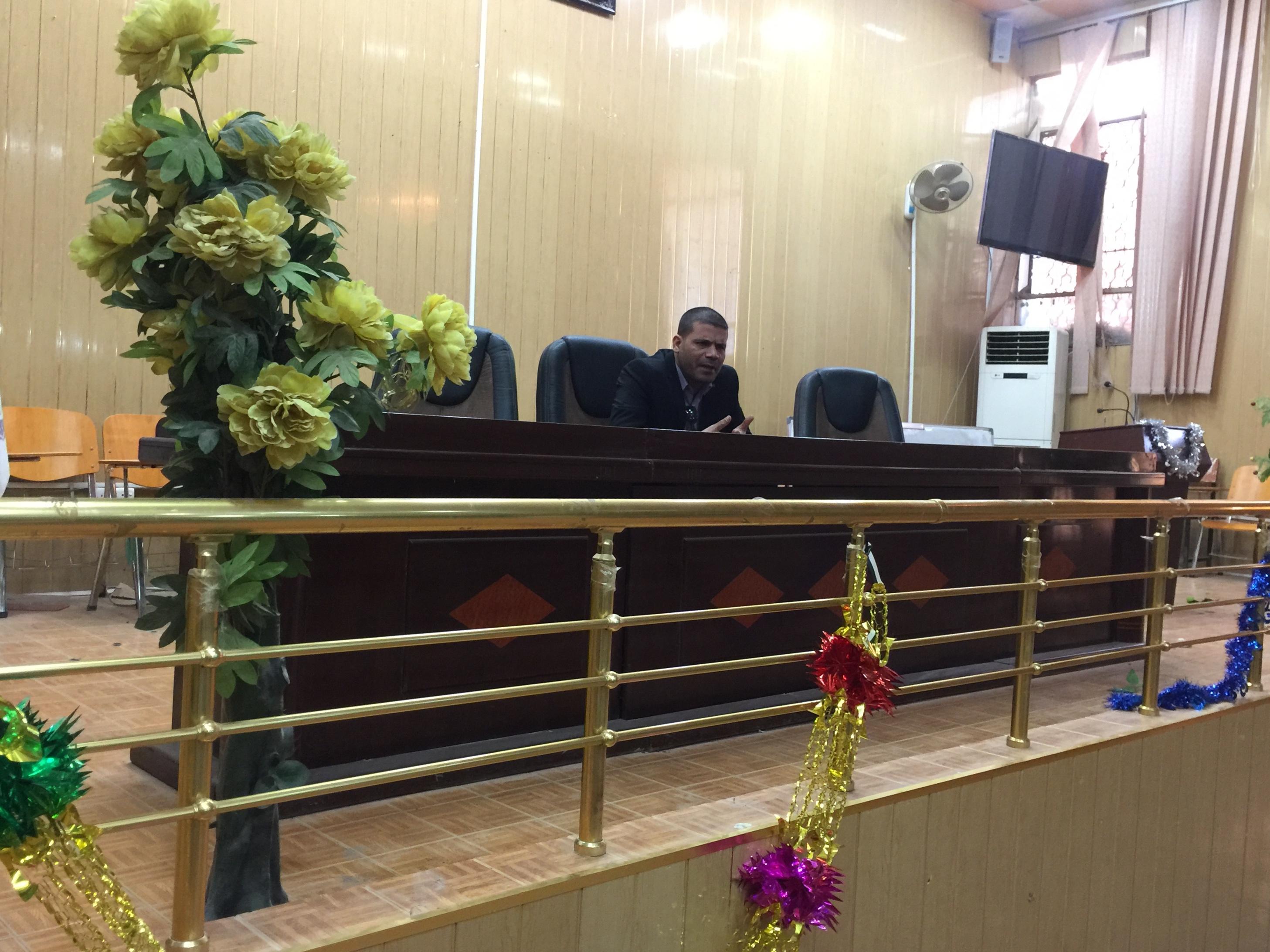 اجتماع السيد المعاون الاداري ا.م.د حسام حمد جلاب  مع منتسبي الكلية
