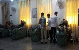 طلبة كلية الهندسة يشاركون في حملة التبرع بالدم للقوات الامنية والحشد الشعبي