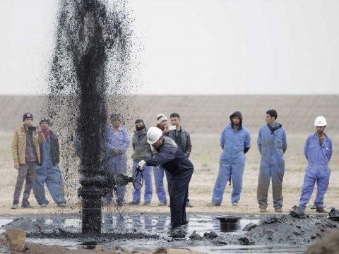 آفاق الصناعة النفطية في العراق عنوان الندوة التي عقدتها كلية الهندسة
