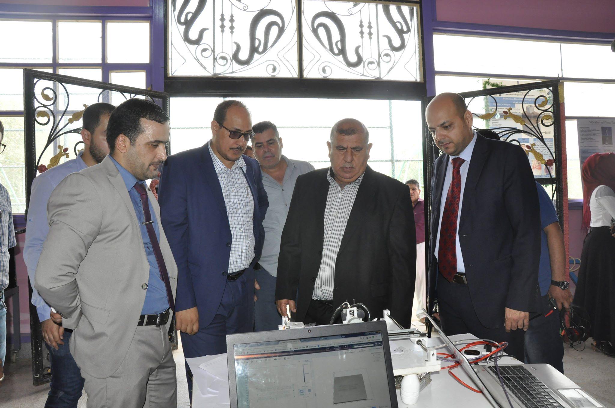 افتتاح المعرض السنوي الاول للاجهزة المختبرية المصنعة لطلبة كلية الهندسة