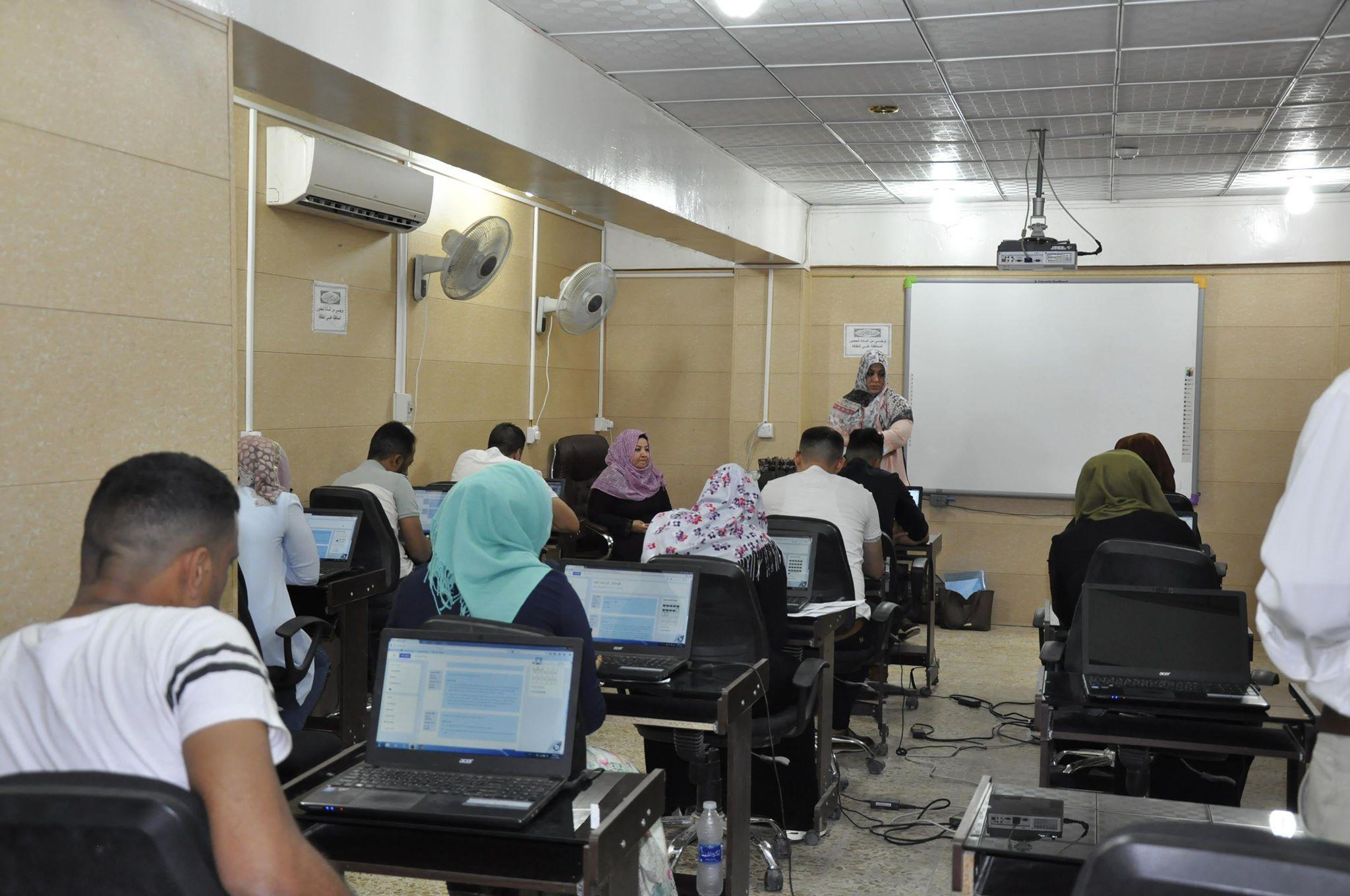 كلية الهندسة تحتضن في قاعاتها الدراسية الامتحان التنافسي لطلبة الدراسات العليا ( الماجستير ) لطلبة كلية الآثار جامعة القادسية