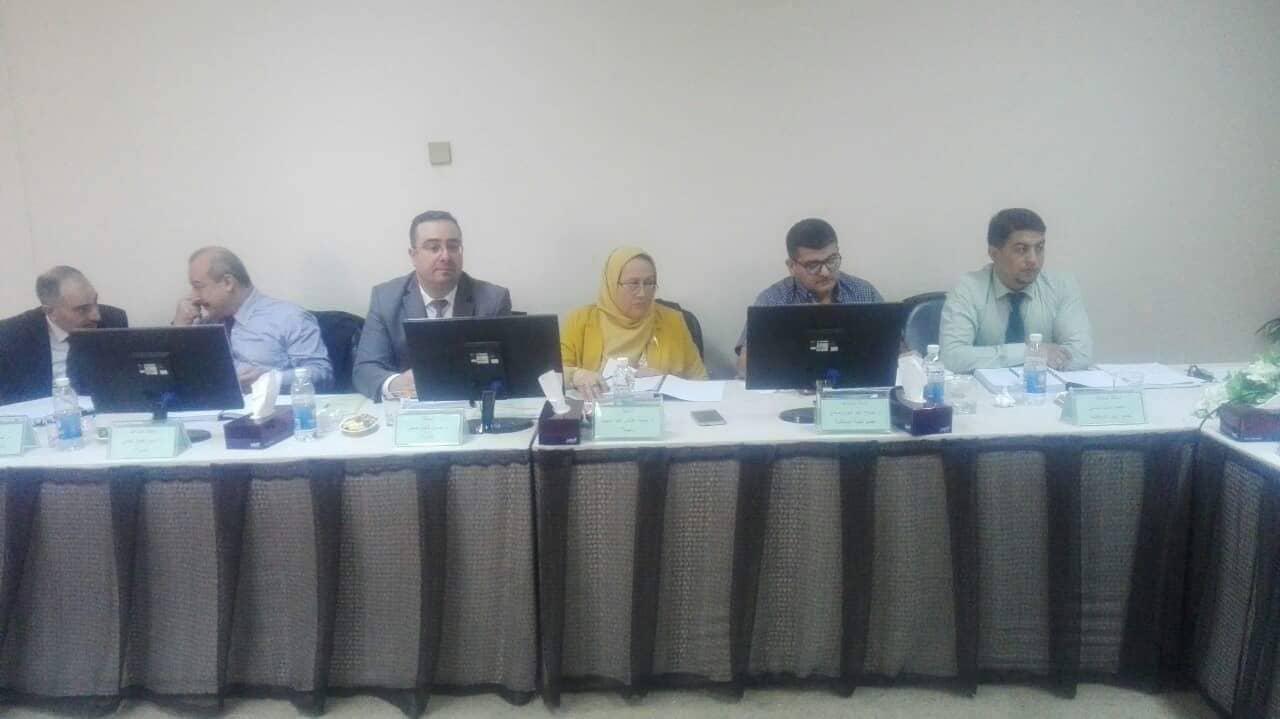 تدريسي من كلية الهندسة يشترك في مناقشة اطروحة دكتوراه في جامعة بغداد