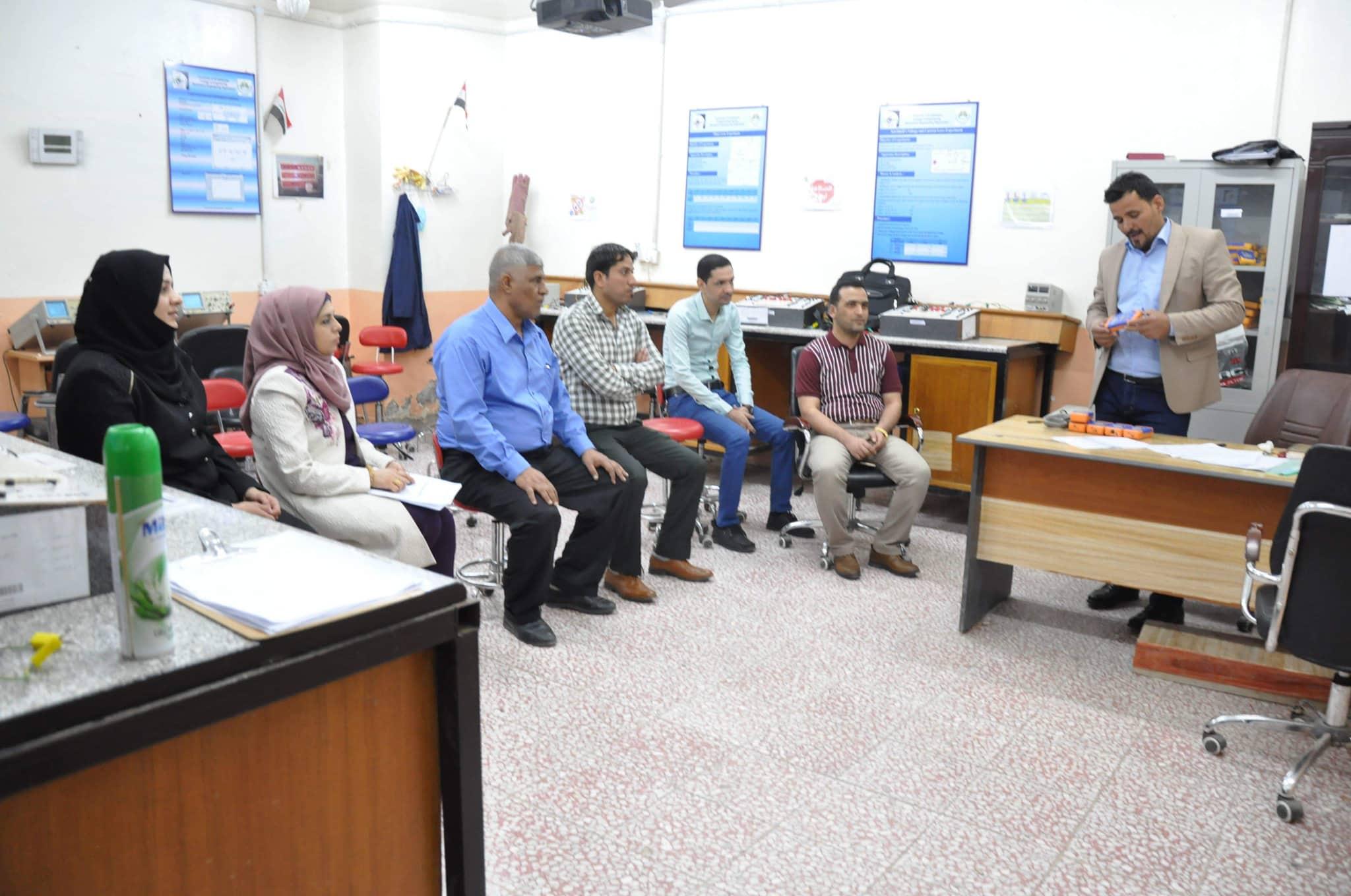 كلية الهندسة تقيم دورة علمية حول اجهزة القياس الكهربائية