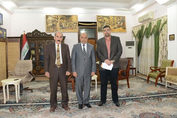 السيد عميد كلية الفنون الجميلة يلتقي السيد محافظ الديوانية الدكتور سامي الحسناوي
