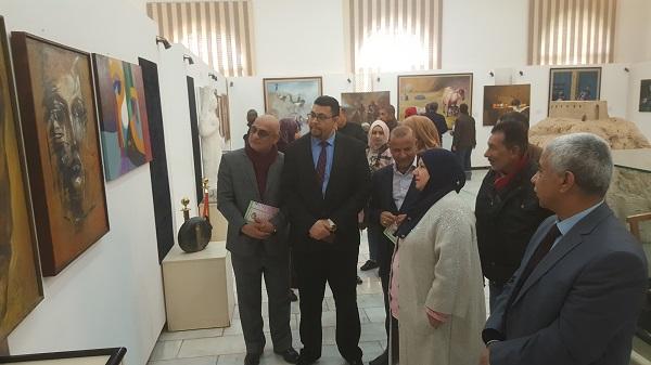 كلية الفنون الجميلة تقيم معرضا للفنون التشكيلية بالتعاون مع متحف الفنون والاثار