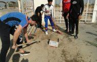 حملة طوعية لطلبتنا لتنظيف باب الجامعة