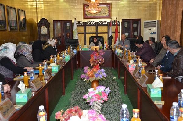 رئيس جامعة القادسية يلتقي بأساتذة كلية الصيدلة من اجل تطوير العملية التعليمية وتذليل المعوقات