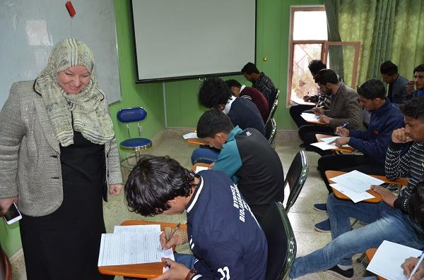 رئيس جامعة القادسية يتفقد سير الامتحانات النهائية في كليات الجامعة ويشدد على تهيئة المستلزمات الضرورية
