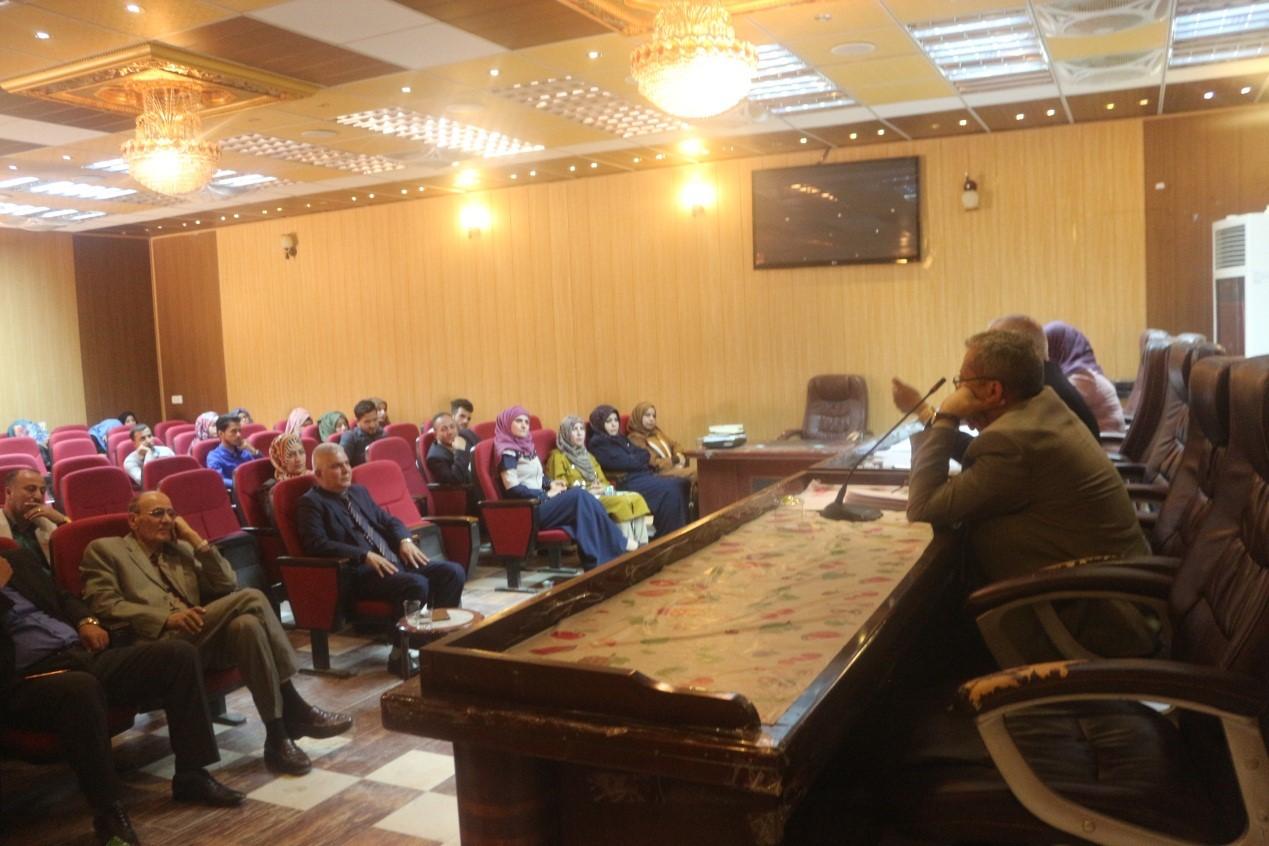 قسم اللغة العربية في كلية التربية يقيم ندوة علمية بعنوان (التنمية اللغوية لطلاب قسم اللغة العربية)