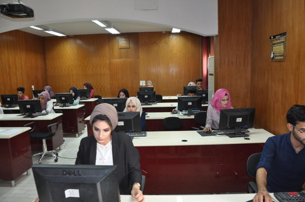 كلية طب الأسنان في جامعة القادسية تنظم امتحانا الكترونيا لطلبتها