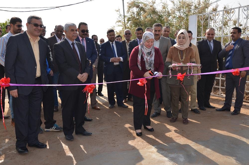رئيس جامعة القادسية الاستاذ الدكتورة فردوس عباس جابر الطريحي يفتتح مشروع البوابة الرئيسية