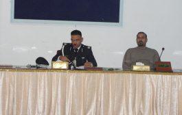 كلية الآداب في جامعة القادسية تقيم محاضرة للتوعية المرورية