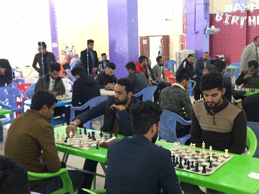 قسم النشاطات الطلابية في جامعة القادسية ينظم بطولة الشطرنج لطلبة الكليات