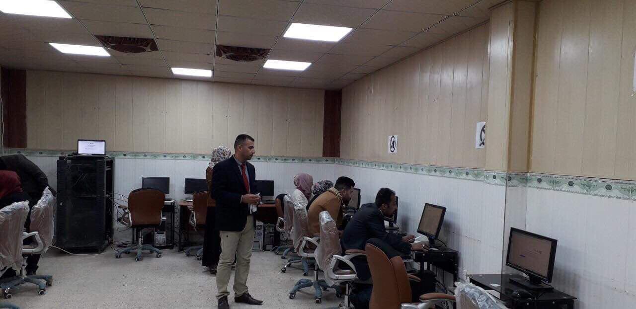 كلية الاثار في جامعة القادسية تجري امتحان اللغة الانكليزية الكترونيا