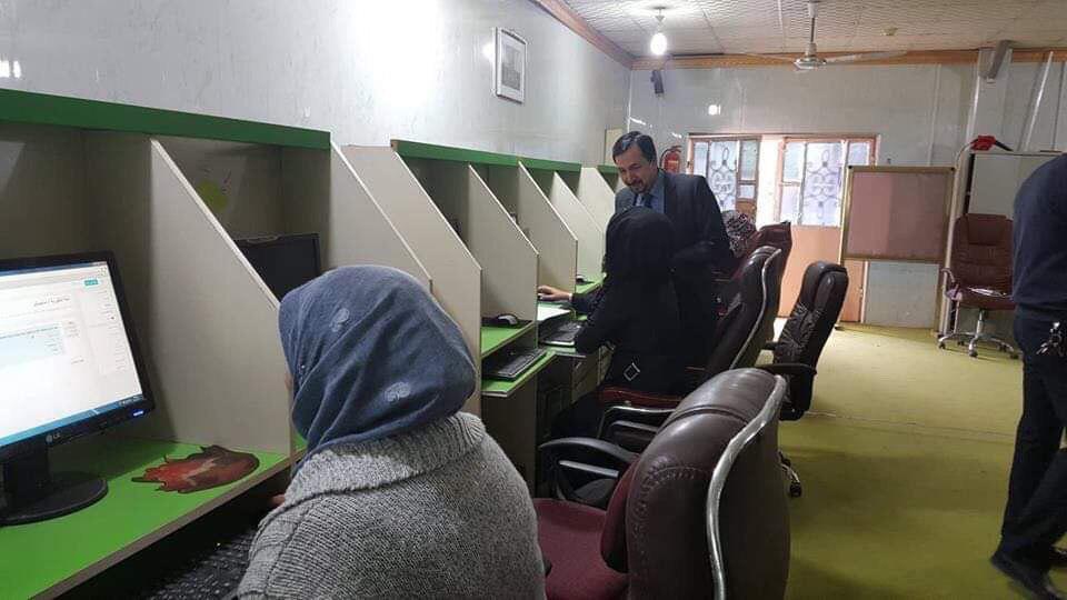 كلية الزراعة في جامعة القادسية تجري امتحان اللغة الانكليزية لطلبة الدراسات العليا الكترونيا