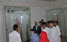 كلية الطب في جامعة القادسية تقيم ندوة علمية حول الجثث البلاستينية