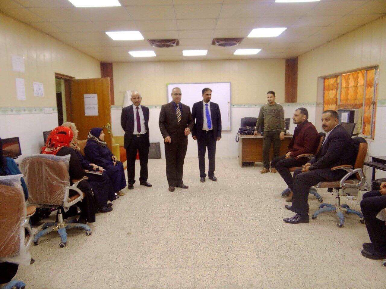 كلية الأثار في جامعة القادسية تقيم دورة لتطوير مهارات الموظفين في الحاسوب