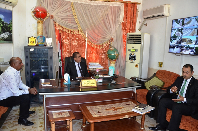 رئيس جامعة القادسية الاستاذ الدكتور كاظم جبر الجبوري يتفقد قسم المتابعة الجامعية