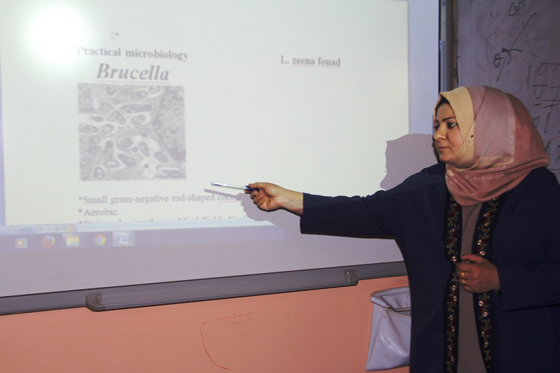 كلية الطب البيطري بجامعة القادسية تقيم دورة تدريبية حول طرق الزرع البكتيري للبكتيريا الهوائية واللاهوائية