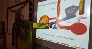 كلية الطب البيطري في جامعة القادسية تقيم دورة تدريبية حول قياس السكر في الدم