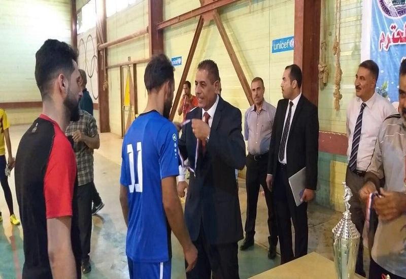 قسم النشاطات الطلابية في جامعة القادسية ينظم بطولة الجامعة بخماسي الكرة لاساتذة الجامعة