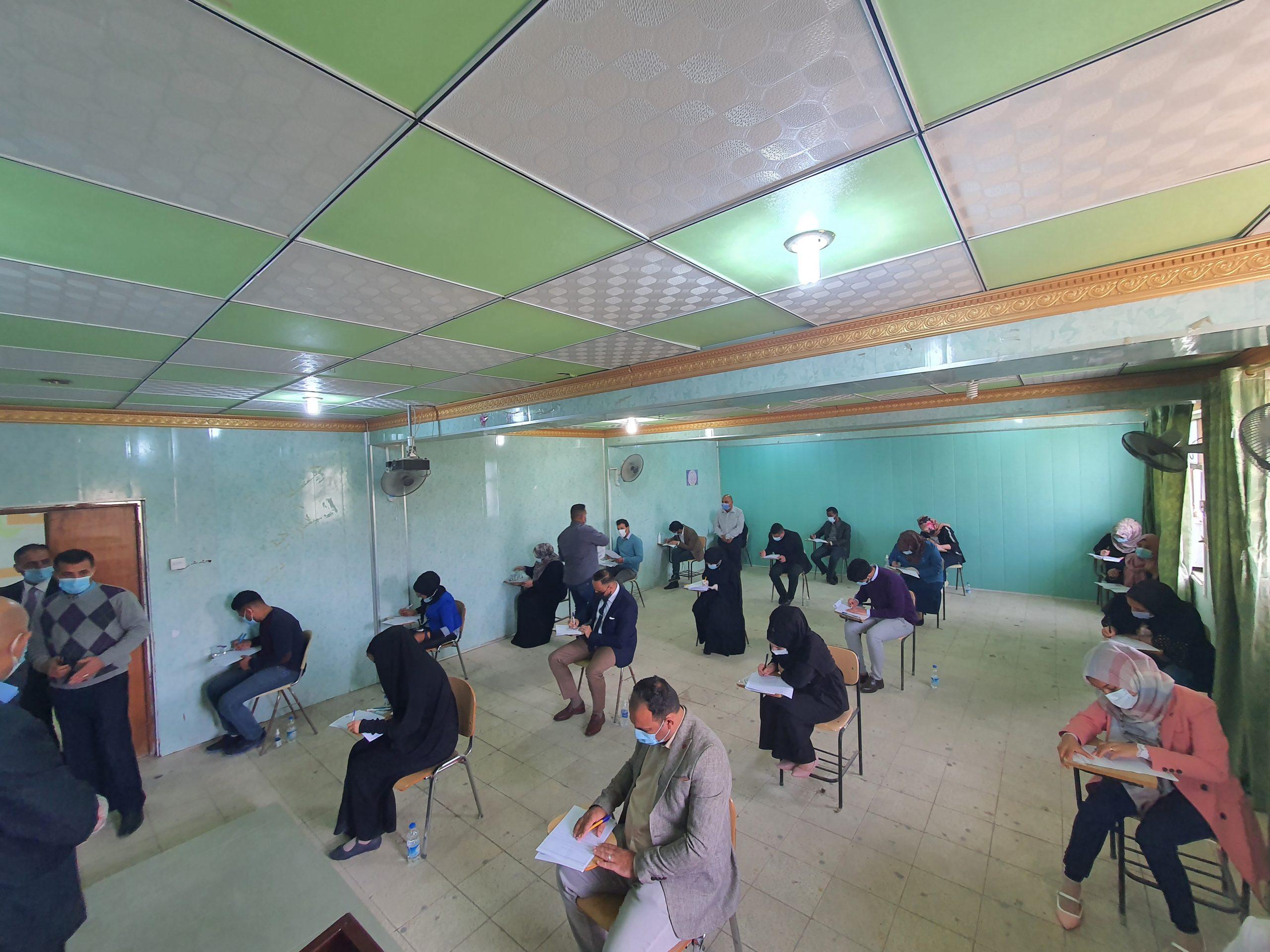 عميد كلية الاثار يتفقد القاعات الامتحانية