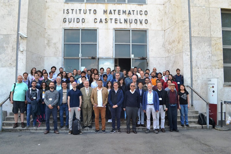 تدريسي في كلية علوم الحاسوب وتكنولوجيا المعلومات بجامعة القادسية يشارك في مؤتمر Calabi-Yau and geometry في روما