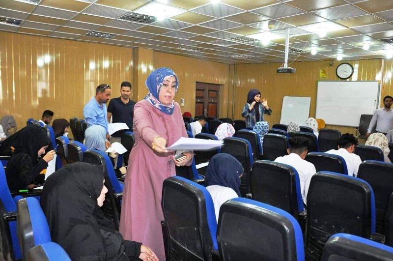 كلية التمريض في جامعة القادسية تجري الامتحان الوزاري المركزي لطلبتها