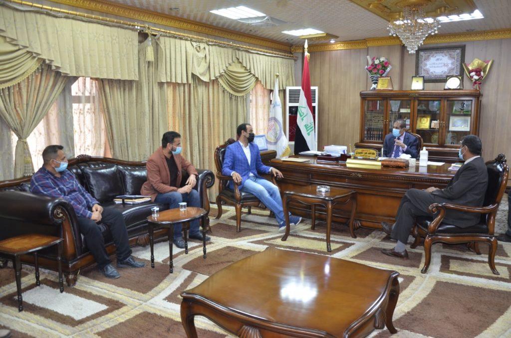 رئيس جامعة القادسية يتابع طلبات المواطنين ويوجه بتسهيل الإجراءات وخدمة المجتمع