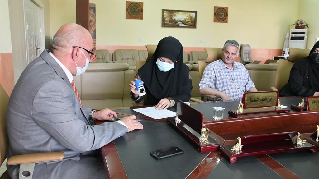 كلية طب الأسنان في جامعة القادسية توقع اتفاقية شراكة طبية وعلاجية  مجانية مع مؤسسة انامل الخير للايتام