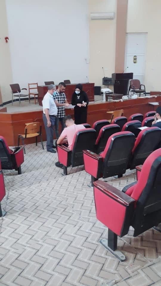كلية الصيدلة في جامعة القادسية تؤدي الامتحانات النهائية الحضورية للدور الثاني